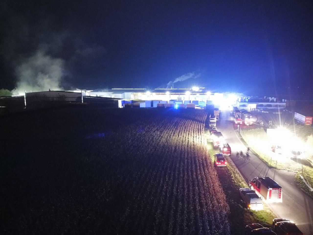 B4 Großbrand in einem Holzindustriebetrieb