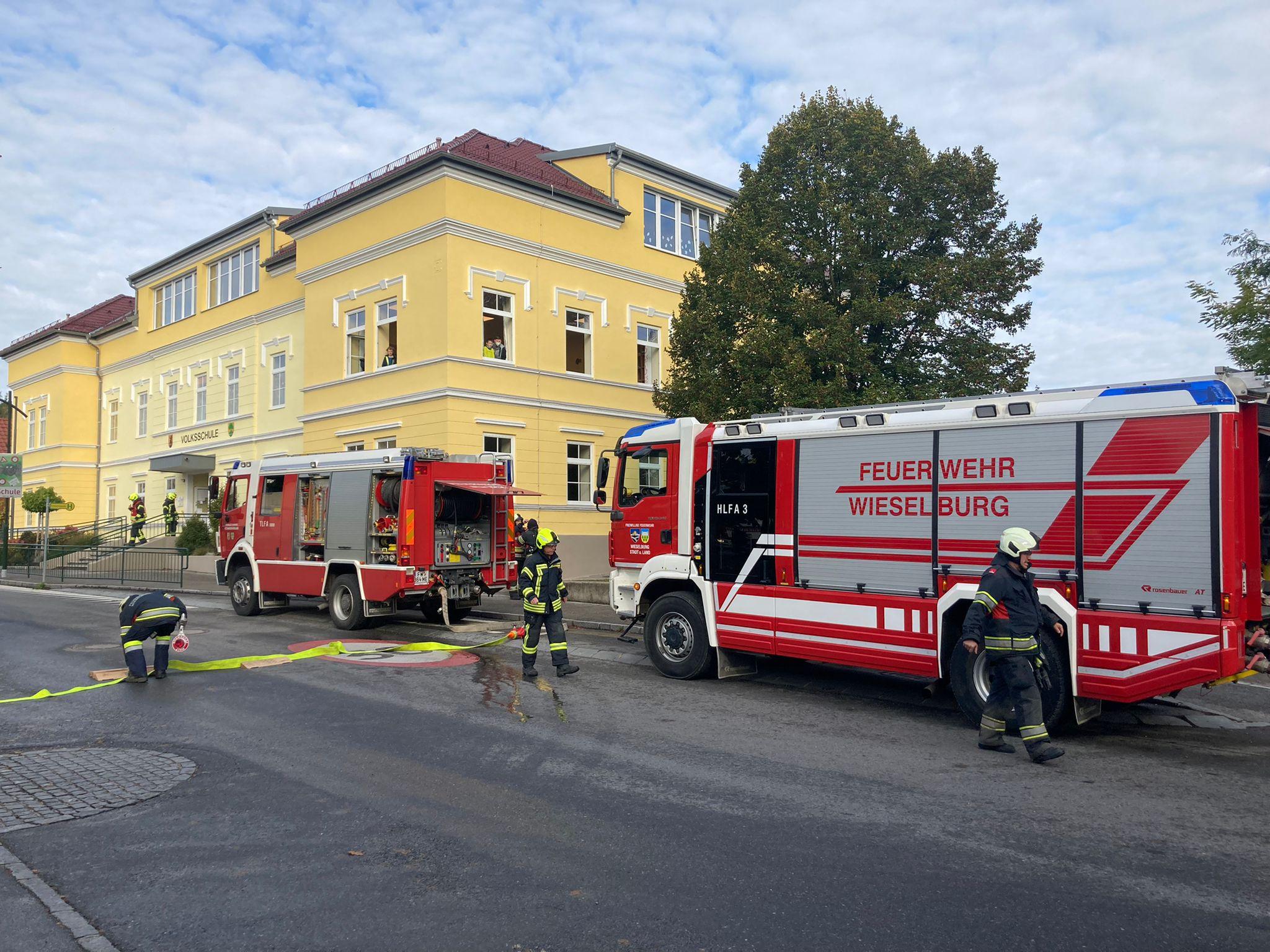 Evakuierungsübung in der Volksschule Petzenkirchen